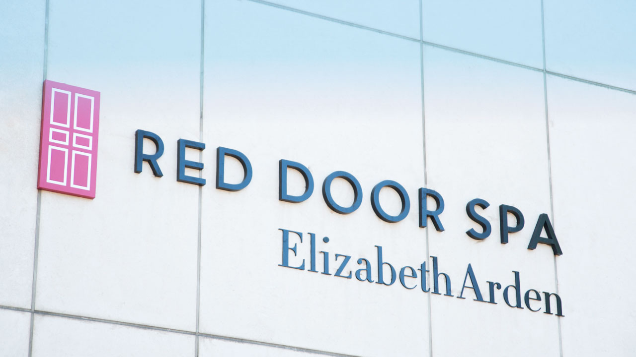 Red Door Spa, Elizabeth Arden, sign